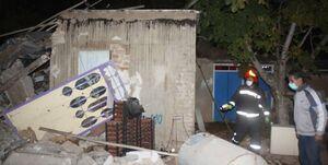 انفجار و تخریب اتاقک نگهبانی بر سر کارگر جوان