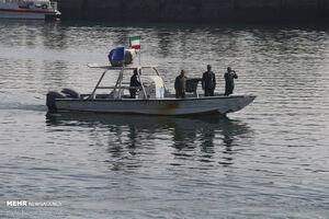 نیروی دریایی سپاه، یک شناور خارجی با پرچم پاناما توقیف کرد