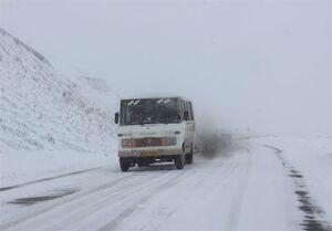 برف و باران در جادههای ۲۰ استان/ تردد در جادههای کشور ۳.۵ درصد کاهش یافت