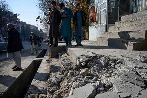 عکس/ بقایای راکت اصابت کرده به محوطه سفارت ایران در کابل
