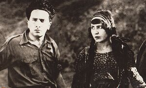 سینمای ایران از اساس «انگلیسی» بود؟