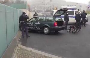 برخورد یک خودرو به درب ساختمان صدراعظمی آلمان