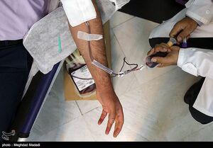 عکس/ اهدای خون توسط پرسنل بیمارستان بقیهالله