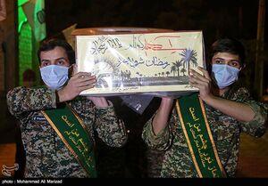 عکس/ تدفین دو شهید از تبار گمنامها