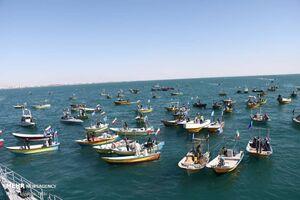 عکس/ رژه اقتدار دریایی بسیج در خلیج فارس