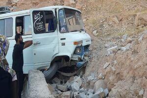 8 کشته و مصدوم در 2 تصادف جادهای