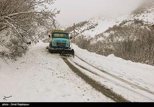 عکس/ بازگشایی جادهها و امدادرسانی در گیلان