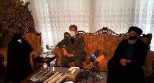 عکس/ حضور وزیر دفاع در منزل شهید فخریزاده