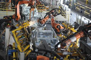 تولید روزانه ایران خودرو در مرز سه هزار دستگاه/ فاصله ۴۰ هزار دستگاهی تا شکستن رکورد سال گذشته