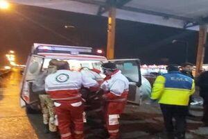 تصادف اتوبوس و کامیون در قزوین حادثه آفرید +فیلم و عکس