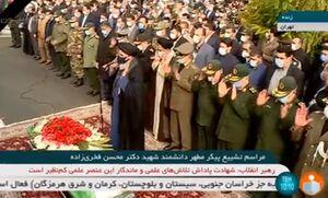 عکس/ اقامه نماز بر پیکر مطهر شهید فخری زاده