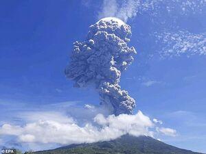 عکس/ فوران آتشفشان در اندونزی