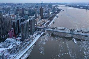 تصاویر هوایی از رودخانه یخ زده در چین