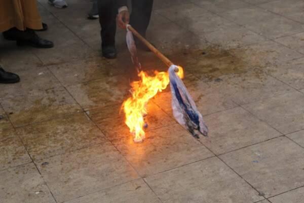 2994435 - آتش زدن پرچم رژیم صهیونیستی در مغرب +عکس