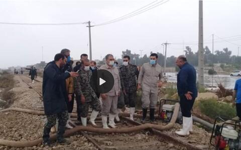 فیلم/عملیات تخلیه آب بندرامام به همت سپاه
