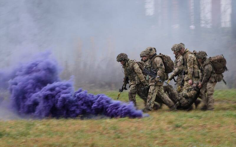 ارتش انگلیس هم متوجه بدعهدی آمریکا شد اما برخی در داخل هنوز امیدوارند/ جزییات تحول بزرگ در سیاستهای نظامی متحد مشهور ایالات متحده +عکس