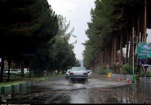 برف و باران در محورهای برون شهری ۲۳ استان