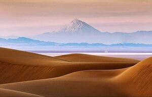 عکس/ قله دماوند از کویر مرنجاب کاشان