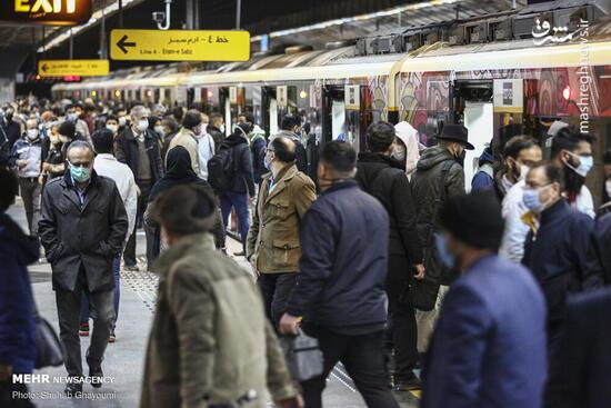 فیلم/ ازدحام شدید جمعیت در مترو دروازه دولت