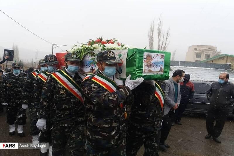 تشییع پیکر شهید «محمدرحیم بنار» در شهمیرزاد با حضور نیروهای نظامی و یارانش در ارتش