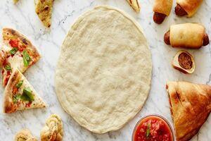 طرز تهیه خمیر پیتزا حرفهای در خانه