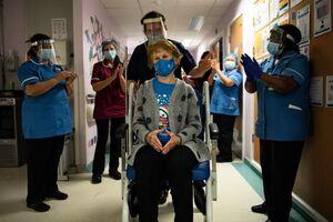 تزریق اولین واکسن کرونا در انگلیس