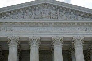 فیلم/ فنسکشی در اطراف ساختمان دادگاه عالی آمریکا