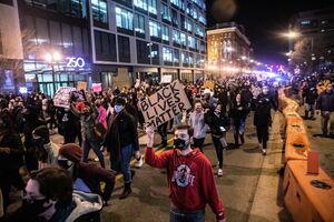 اعتراضات به جنایت نژادپرستانه پلیس آمریکا