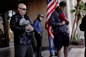 عکس/ تجمع حامیان ترامپ در مقابل ساختمان کنگره