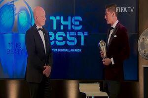 لواندوفسکی با سورپرایز اینفانتینو، بهترین بازیکن جهان شد +عکس