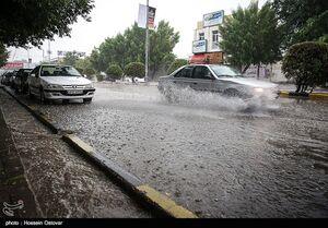 برف و باران در محورهای برون شهری ۱۵ استان