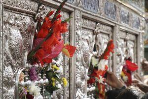 عکس/ گل آرایی حرم حضرت زینب(س)