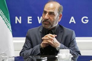 محمدرضا سنگری از تأثیر شعر در پیروزی انقلاب میگوید