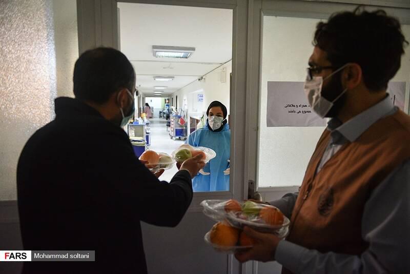 ممنوعیت ورود به بخش های کرونایی برای اهدای بسته های شب یلدایی