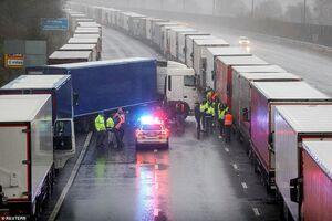 تصاویر جدید از رانندگان گرفتار در مرز انگلیس