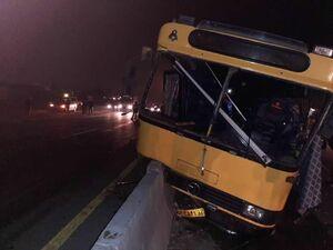 برخورد اتوبوس با گاردریل در پاکدشت ۱۹ مصدوم برجای گذاشت