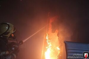 فیلم/ مهار آتش سزی انبار پارچه در خیابان مولوی