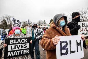 خشونت پلیس آمریکا مردم را به خیابانها کشاند