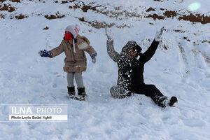 عکس/ شادی تهرانیها در برف نوبرانه پایتخت