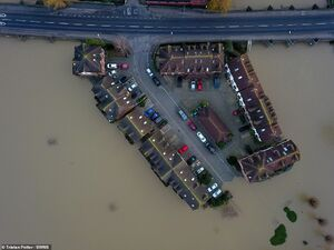عکس/ انگلیس زیر آب
