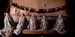 امام محلهای که زنان حاشیهنشین را پای دار قالی آورد +عکس