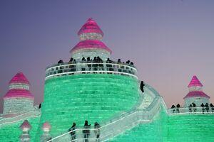 تصاویر دیدنی از جشنواره یخی در چین