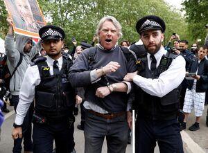 بازداشت ۱۷ معترض به محدودیتهای شدید کرونایی در لندن