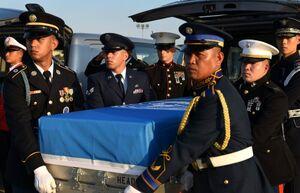واشنگتن بقایای اجساد ۷۰ سرباز آمریکایی جنگ کره را تحویل گرفت