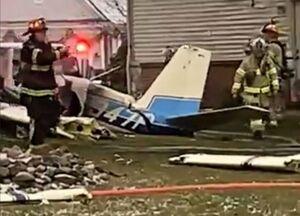 عکس/ برخورد مرگبار هواپیمای کوچک با یک خانه