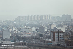 آلودگی هوا ادارات اراک را تعطیل کرد