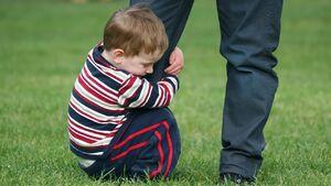علت اصلی وابستگی بیش از حد کودک چیست؟