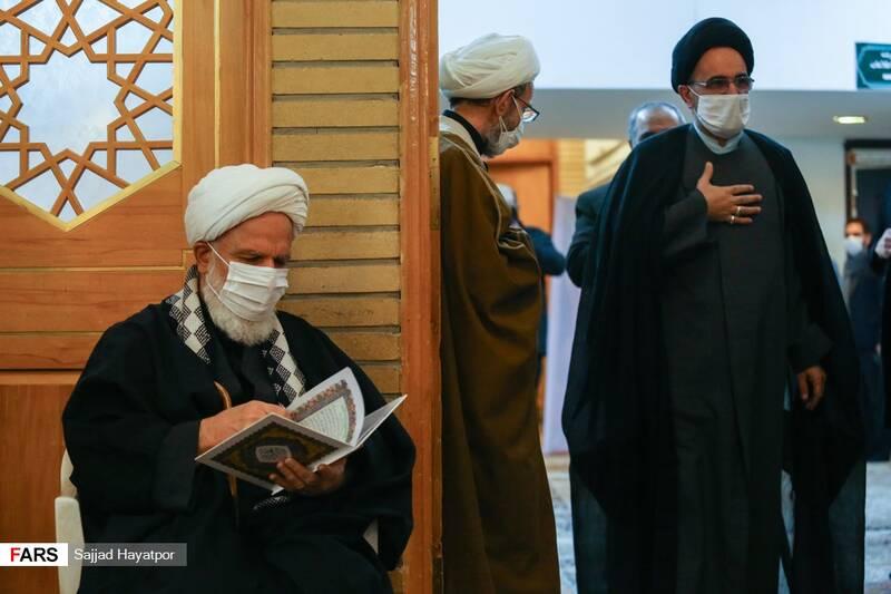 رئیس دفتر رهبر انقلاب در قم در گرامیداشت هفتمین روز ارتحال آیت الله مصباح یزدی در حرم حضرت معصومه (س)