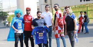 حاشیه دربی 94| حضور هواداران مقابل ورزشگاه آزادی +عکس