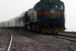 برخورد قطار مسافربری با خودرو شخصی در شیخ آباد کرج - کراپشده